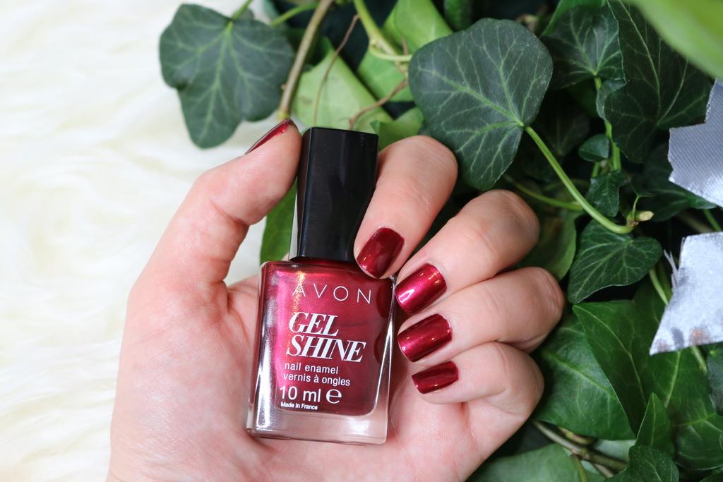 Oja săptămânii: Red Velvet Gel Shine - Avon