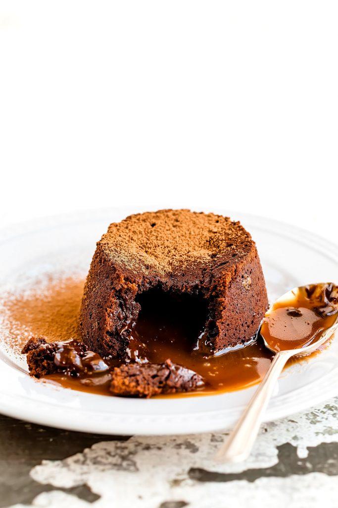 Muffins cu inimă caldă de ciocolată (lava cake)